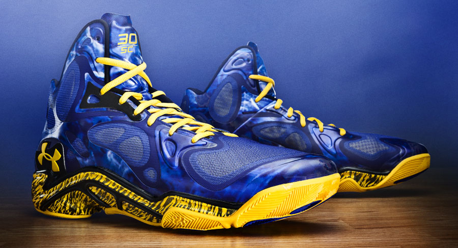 1bb7a0f38539 Stephen Curry s Under Armour Anatomix Spawn  Blue Splash  PE ...