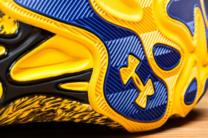 Stephen Curry's Under Armour Anatomix Spawn 'Blue Splash' PE (3)