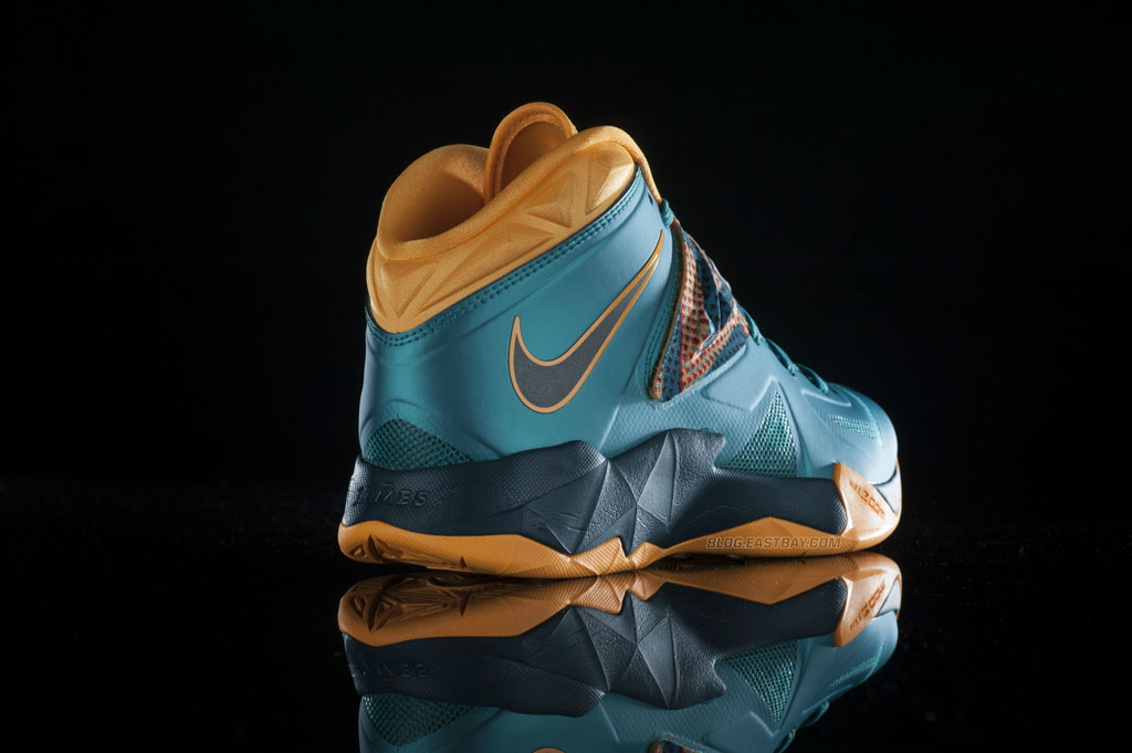 info for 74233 c8144 Available  Nike Zoom Soldier VII  Turbo Green